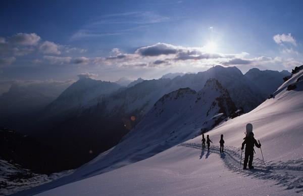 …zusammen einem Gipfel entgegen stapfen (zum Rorspitzli, 2007)…